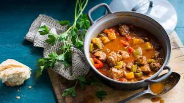Dutch Lamb Stew with Potato & Capsicum