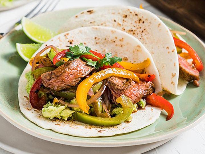 Beef rump & rainbow capsicum fajitas