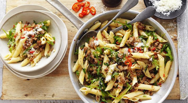 Pork mince with chilli and rocket penne
