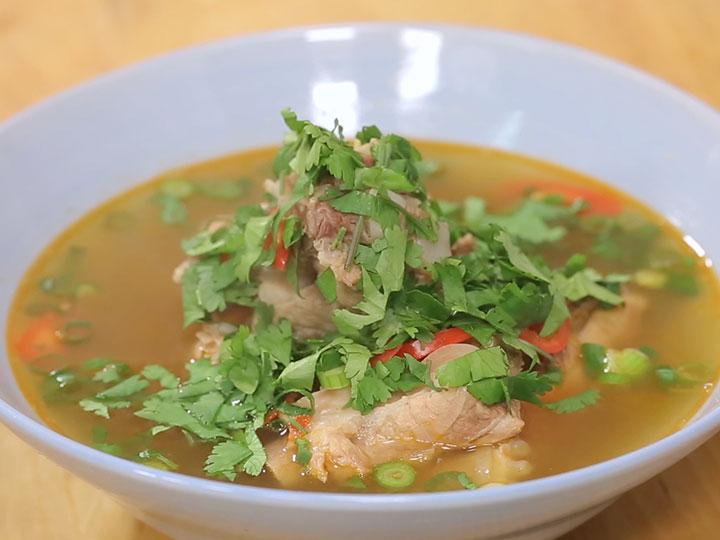 Sarah Tiong's hot and sour pork rib soup