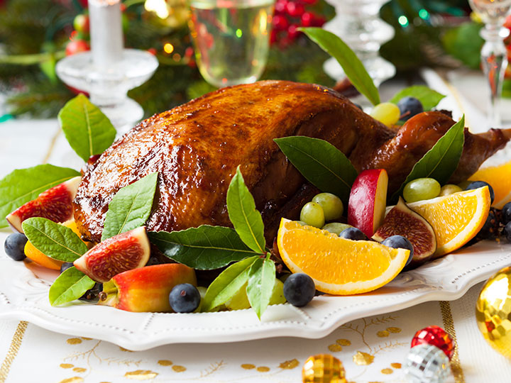 Roasted aromatic asian style duck