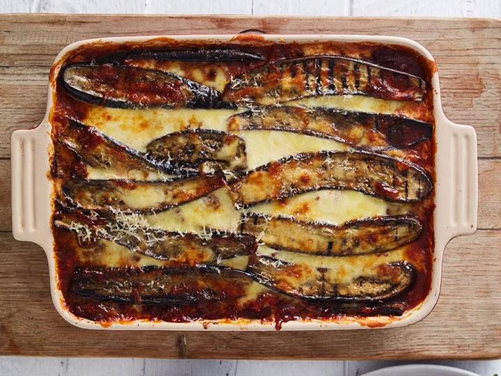 Eggplant & lamb mince moussaka