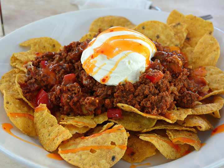 Classic beef mince nachos