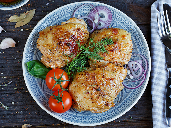 Maple garlic baked chicken thigh fillets