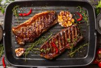 Porterhouse BBQ steaks & roasted garlic