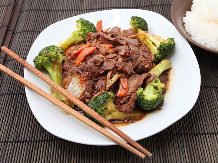 Marinated round steak & veg stir fry